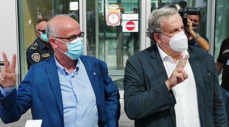 """Coronavirus, i sindacati dei medici pugliesi a Speranza: """"Inviate i Nas negli ospedali della regione"""""""